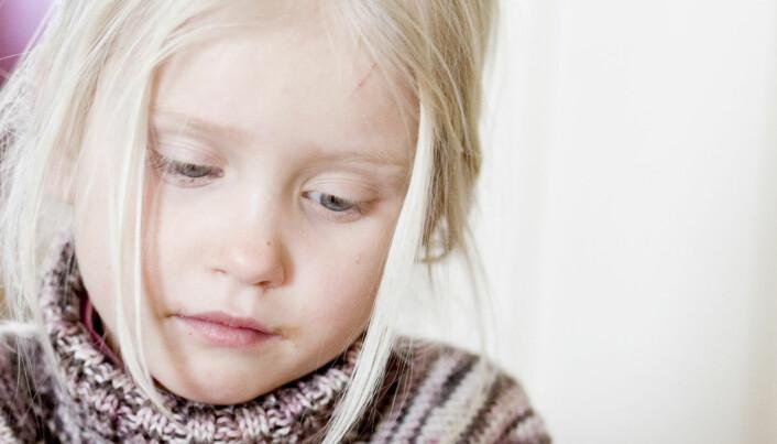 Født sånn eller blitt sånn? Dette fant forskerne ut da de undersøkte deprimerte barn