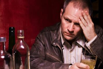 Det er mer sannsynlig at en veteran blir voldelig om han har et alkoholproblem. (Foto: iStockphoto)