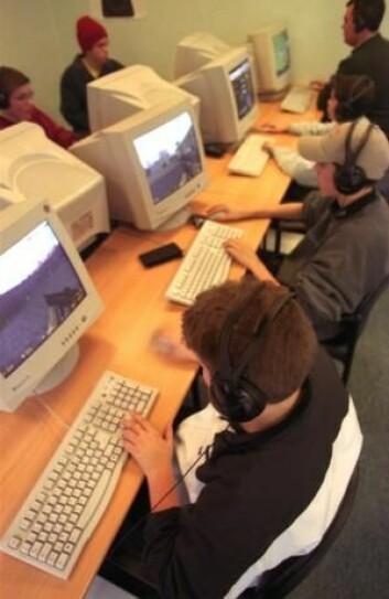 Elevene i en ny dansk undersøkelse fortalte at de lærte mer engelsk av dataspill enn av undervisningen på skolen. (Foto: Colourbox)