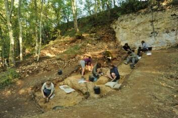 Tre av redskapene ble funnet her, på utgravningsfeltet Abri Peyrony i det sørvestlige Frankrike. Det er et område som kun var bebodd av neandertalerne på tidspunktet da glatterne ble laget. (Foto: Abri Peyrony-prosjektet)