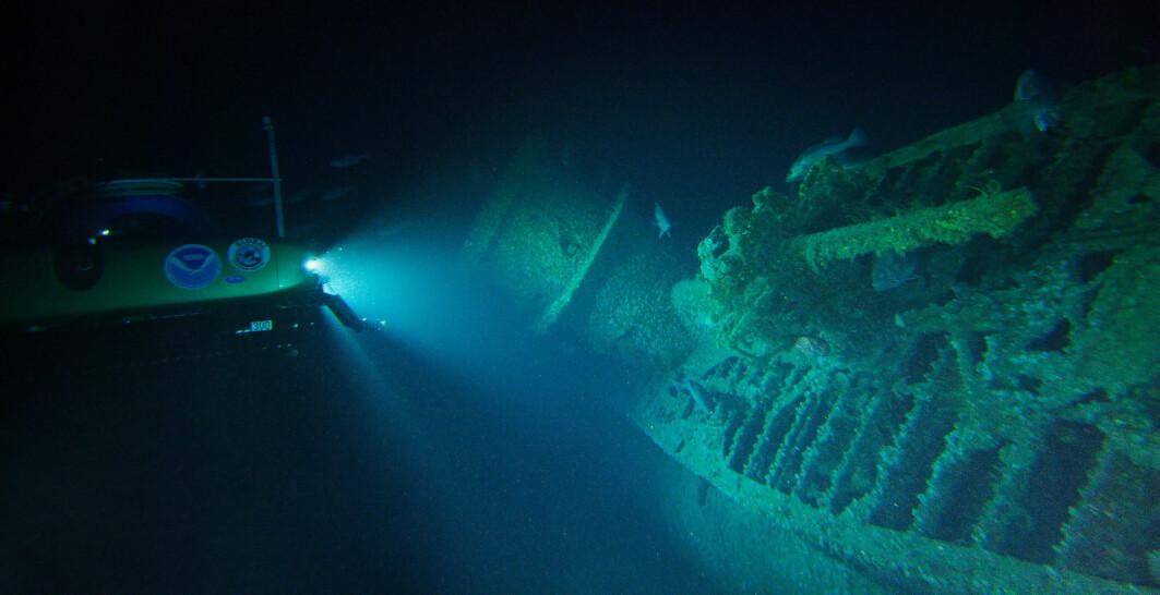 Her ser du ubåt-tårnet, i et bilde som viser det første dykket til ekspedisjonen i 2016. Ubåten var rundt 70 meter lang, og var av den vanligste typen ubåt fra Tyskland under den andre verdenskrig.
