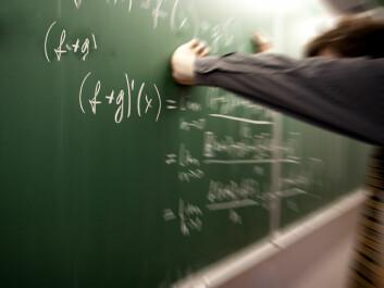I Norge har nesten én av fire norske elever så dårlige matematikkunnskaper fra ungdomsskolen, at de kan få problemer med å fullføre videregående skole og å greie seg i arbeidslivet, viser undersøkelser. (Illustrasjonsfoto: colourbox.no)