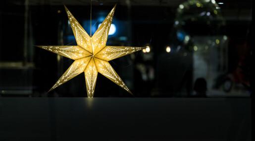 Lykkeforsker oppfordrer folk til å henge opp julelysene nå
