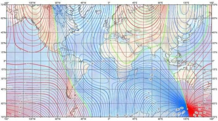 Jordens magnetfelt driver langsomt mot vest, slik at retningen mellom jordens geografiske og magnetiske nordpol endrer seg hele tiden. Kart over avviket må hele tiden oppdateres. Dette er det nyeste. (Foto: (Kart: NOAA/NESDIS/NGDC))