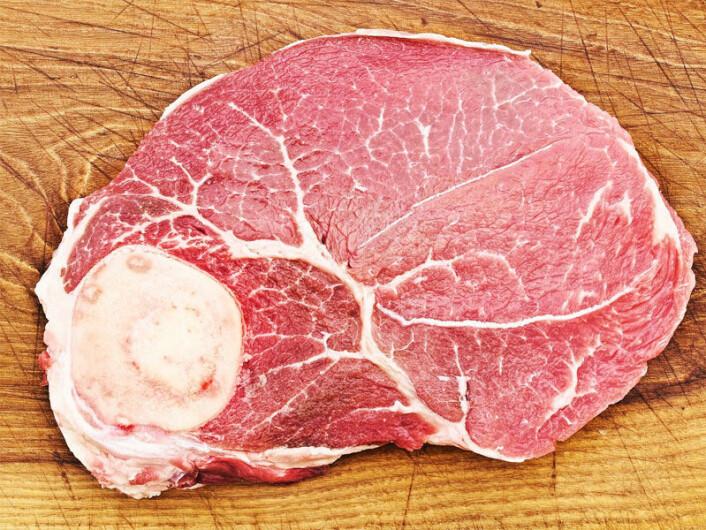 Ifølge steinalderdietten skal 65 prosent av kosten være kjøtt. Det kan være storfe og gris, men også kylling, fisk og skalldyr. (Foto: Colourbox)