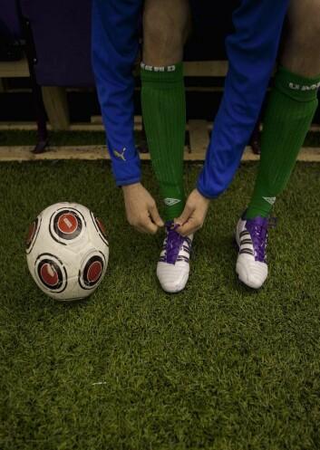 – Fotballkamper er for mange blitt et av de viktigste ritualene vi har i dag, mener sosiologiprofessor Willy Guneriussen. Foto: Andreas Palmén