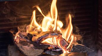Ivrig vedfyring på hjemmekontor skader luftkvaliteten