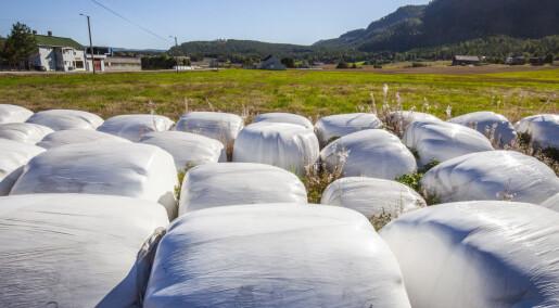 Plast fra rundballer står for 70 prosent av plastforurensingen i norske elver