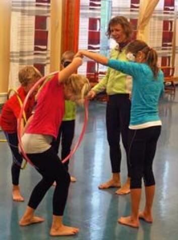 Aktivitet i små grupper kan fungere fint i kroppsøvingstimene. (Foto: Per-Einar Johannessen, NIF)