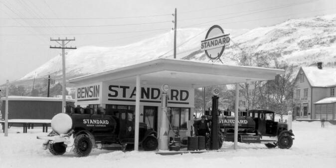 A Standard Oil station at Oppdal in Trøndelag county.