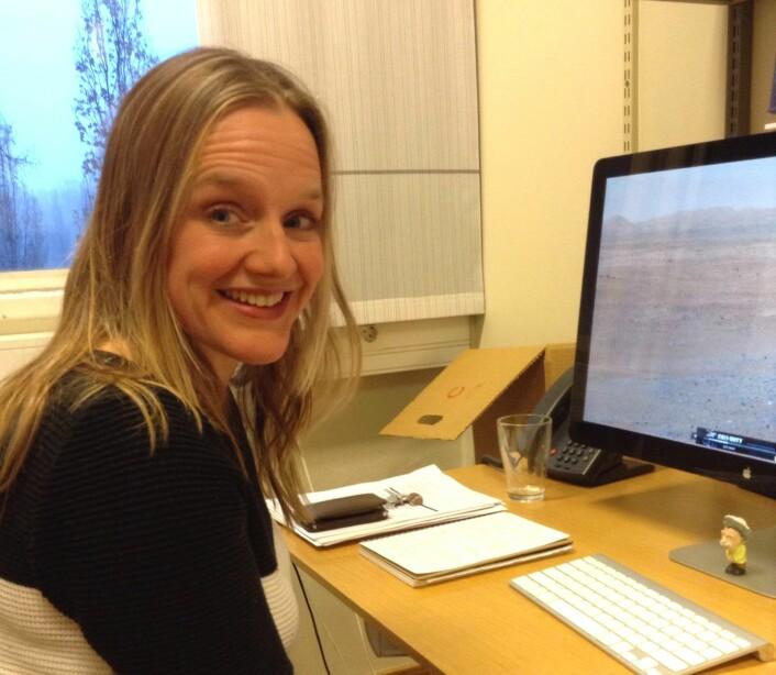 Anna Kathinka Dalland Evans med Mars-bilder på skjermen. (Foto: Nora Heyerdahl)