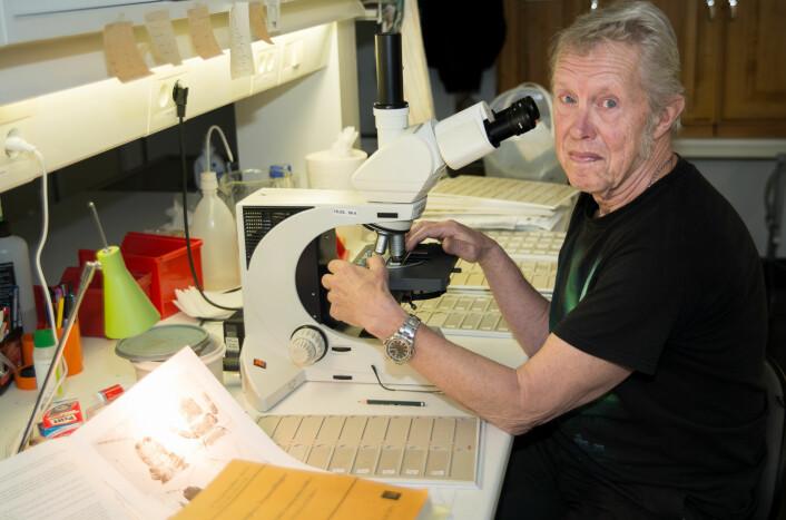 Forsker Sverre Kobro på laboratoriet. (Foto: Erling Fløistad)