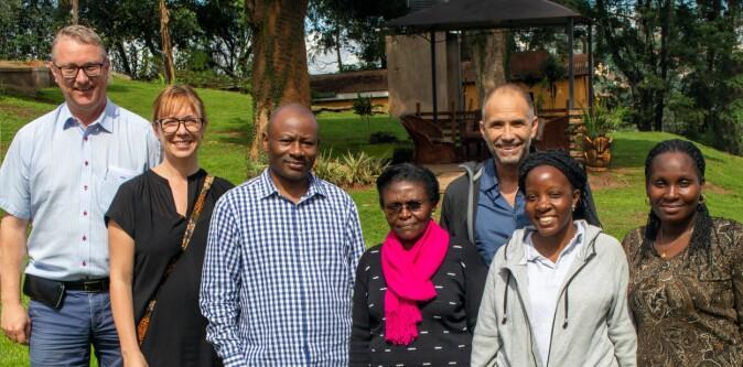 Forskergruppen i Uganda. Fra venstre: Thorkild Tylleskär, Susanna Myrnerts-Höök, Josaphat Byamugisha, Jolly Nankunda, Nicolas Pejovic, Clare Lubulwa, Hadija Nalubwama.