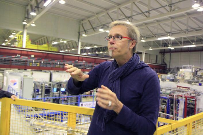 Michael Doser tipper han er pensjonist før de store svarene kommer ut av Antiproton Decelerator. (Foto: Ingrid Spilde)