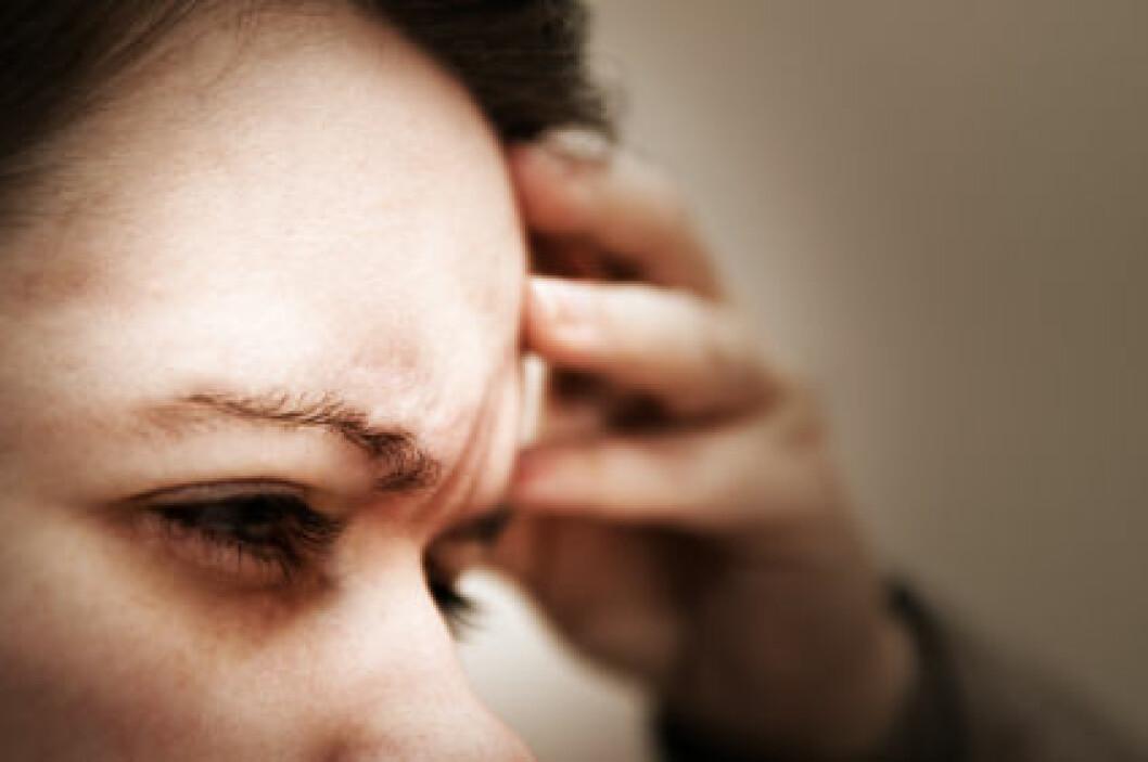 Det finnes mange ulike typer hodepine. Nesten alle voksne har opplevd å ha hodepine, men det er ikke alltid man kan finne en bestemt årsak til smertene. Ofte kjenner man ikke den utløsende faktoren. (Illustrasjonsfoto: iStockphoto)