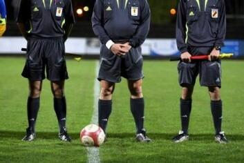 De beste dommerne er best rustet til å stå imot presset fra spillere, trenere, publikum og medier. (Illustrasjonsfoto: www.colourbox.no)