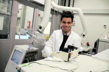 Thiago Verano-Braga maner til forsiktighet i overdreven bruk av nanosølv i klær og andre produkter. (Foto: Birgitte Svennevig, Syddansk Universitet)