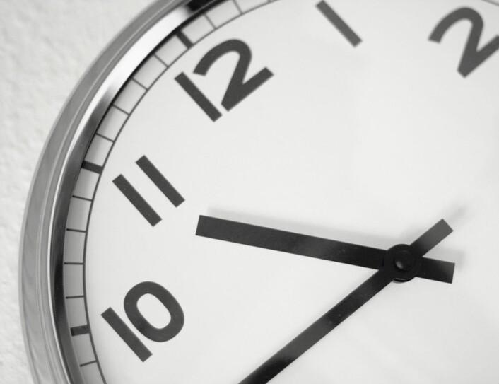 Det kan være ganske innviklet å prøve å forstå tiden. Visste du at den går langsommere for de som er i bevegelse? (Foto: Colourbox)