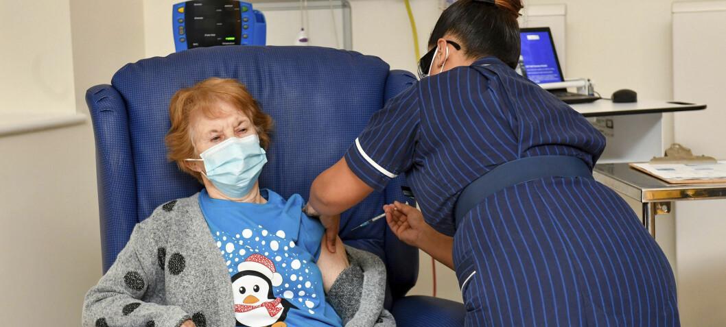 Storbritannia har begynt massevaksinering mot koronaviruset