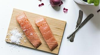 Å spise feit fisk til middag en gang i uka er kanskje nok