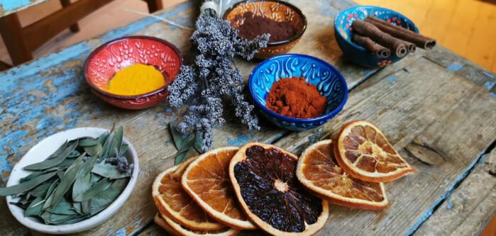 Krydderskuffen er et utmerket sted å lete etter såpefarge!