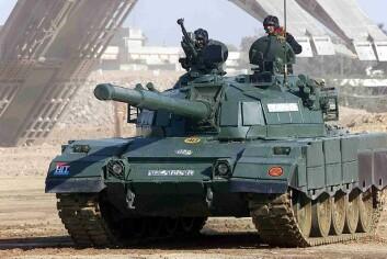 Hæren i Pakistan har stor makt, og gjorde statskupp så sent som i 1999. Her fra en militærdemonstrasjon i Karachi. (Foto: Raza0007/Wikimedia Commons)