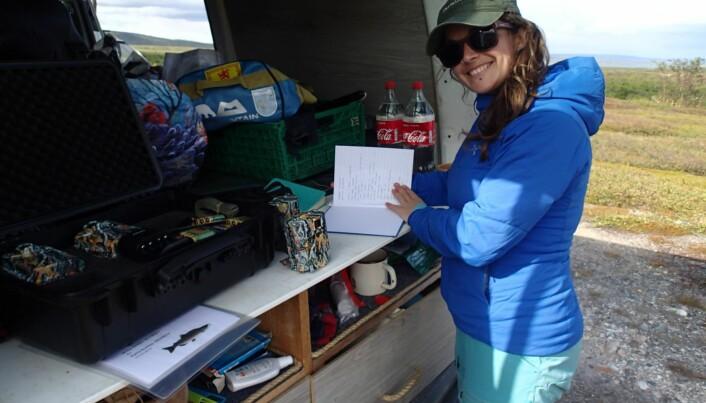 Katherine Dunlop på feltarbeid i Finnmark.