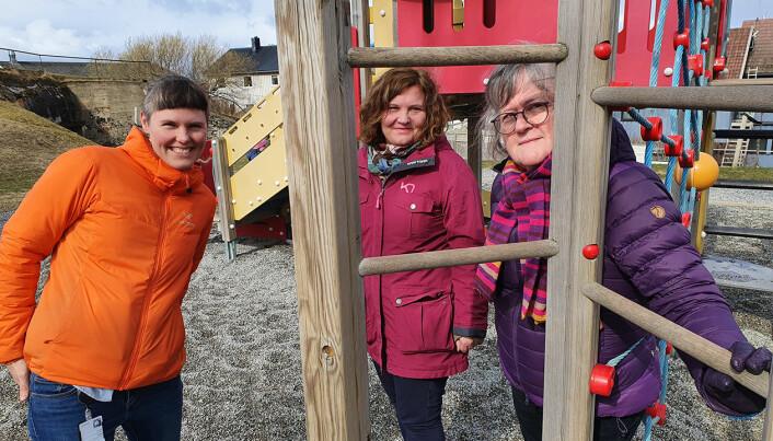De har undersøkt hva pandemien har betydd for hverdagen i barnehagene. Cathrine Bjerknes til venstre, Kathrin Olsen i midten og Kristin A. Ø. Fløtten til høyre.