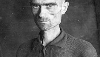 Sovjetisk krigsfange fotografert i Bjørnelva fangeleir i 1945. Leiv Kreyberg/Nasjonalarkivet