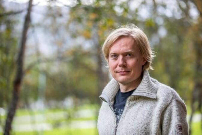 Juha Vierinen er førsteamanuensis i romfysikk ved UiT. Han jobber med å utvikle det nye romantenneanlegget EISCAT 3D, som vil åpne for helt nye muligheter for romforskerne.