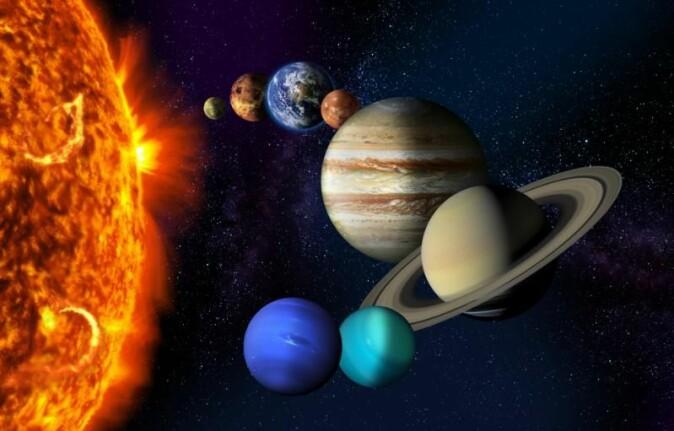 Nordlys oppstår når biter av solas plasma treffer gasser i atmosfæren, både på jorda og andre planeter med atmosfære. Nordlyset kan også bidra til å forandre temperaturen på jorda.