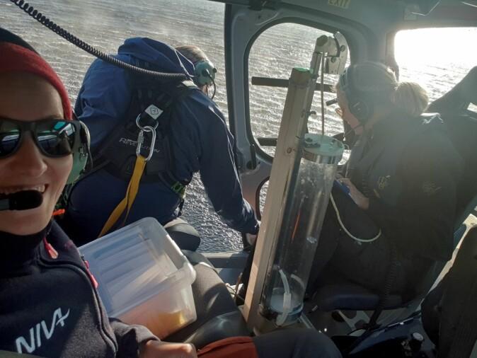 Høsten 2019 tok forskere fra NIVA prøver av omkring tusen norske innsjøer. Helikopter ble brukt for å rekke over alle.