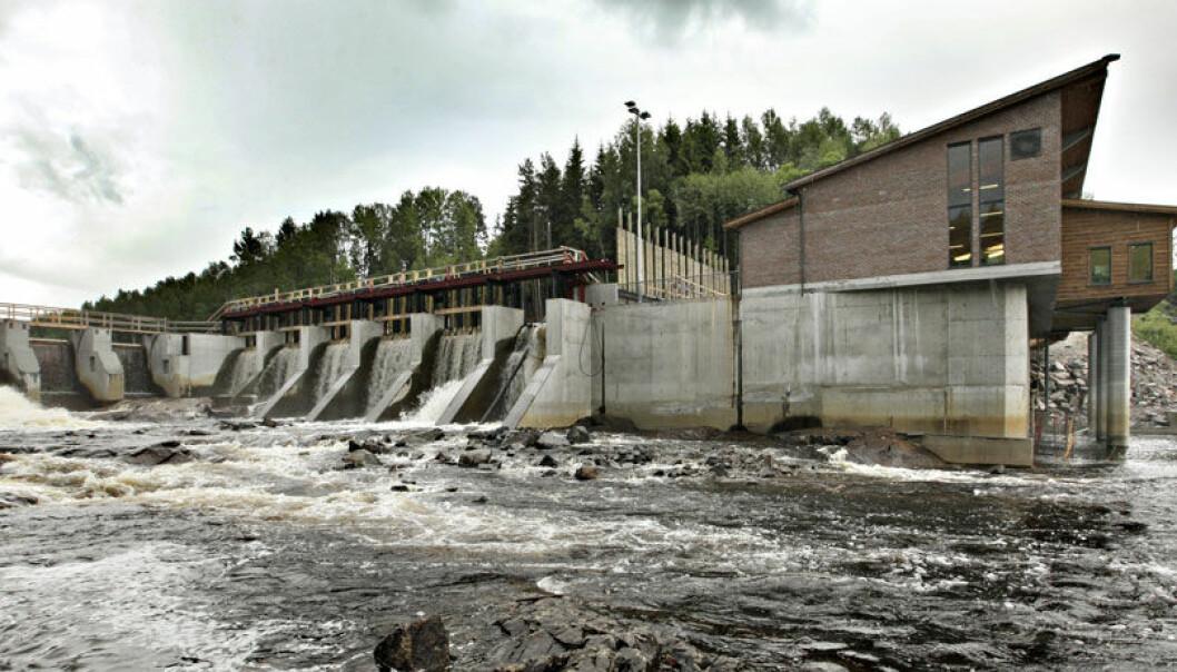 Norge kommer til å ha et overskudd av fornybar vannkraft i tiårene framover, ifølge ny rapport. Her Syversætre foss kraftverk på Flisa i Hedmark. Jon Hauge, Aftenposten