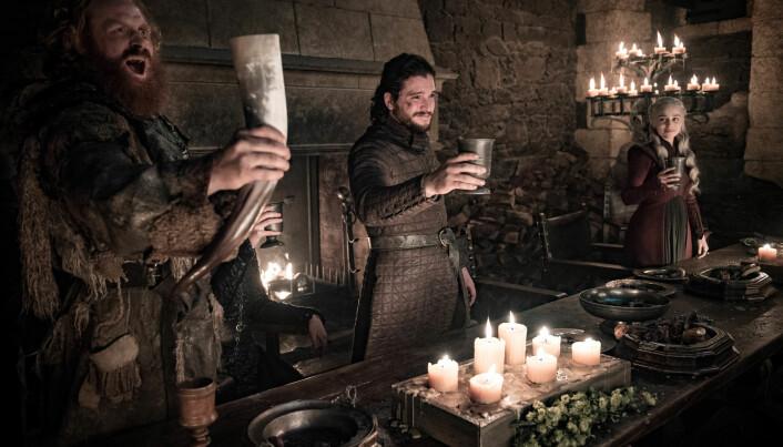 Det er ikke så ofte vi setter oss ned og leser tekster fra middelalderen. Men mange kjente serier og filmer har blitt inspirert av historier fra den tiden. For eksempel Game of Thrones.