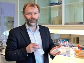 Rolf Einar Engstad ser et meget stort potensiale for Biotec Pharmacons nye produkt. (Foto: Siw Ellen Jakobsen)
