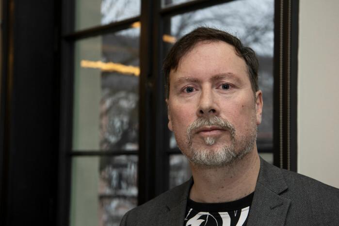 Professor Leif Edward Ottesen Kennair ved Institutt for psykologi på NTNU leder studien på LP-kurs for ME-pasienter.