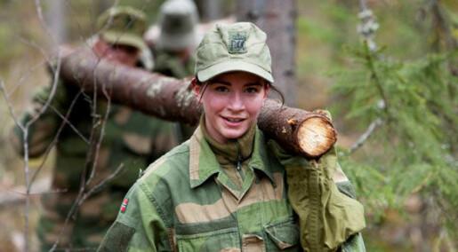 Få kvinner velger Forsvaret