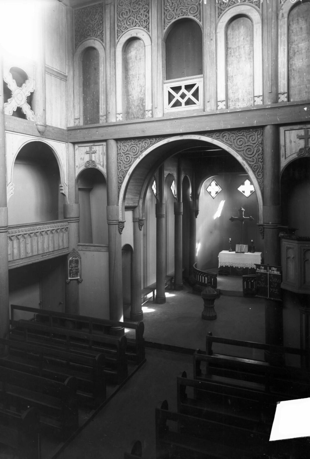 Før restaureringen på 1950-tallet bar Heddal stavkirke preg av å være modernisert. Middelalderen var godt gjemt.