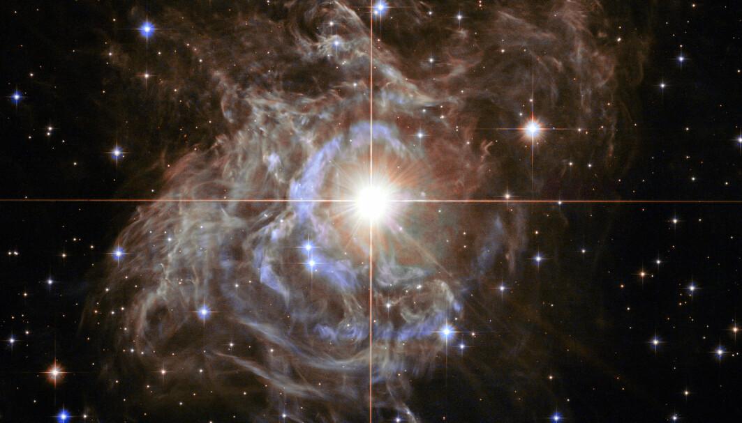 Dette er kefeide-stjernen RS Puppis, en av de mest lyssterke variantene i Melkeveien, sett av Hubble-teleskopet. Denne stjernetypen spiller en viktig rolle i å bestemme hvor fort universet utvider seg.