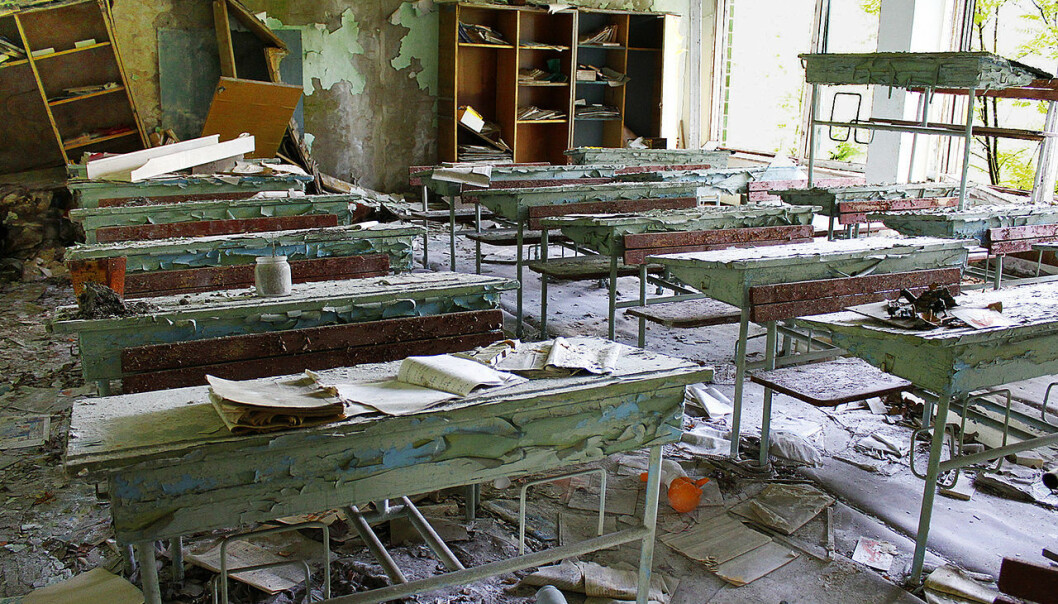 Elevene og lærerne som brukte dette klasserommet ved en ungdomsskole i Pripyat måtte plutselig forlate byen. De kom aldri tilbake.