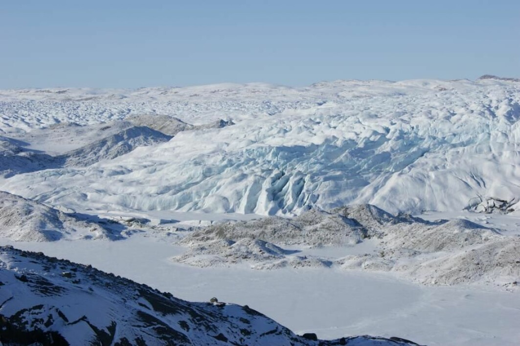 Hvis all isen på Grønland skulle smelte, vil alle verdenshavene stige med sju meter.