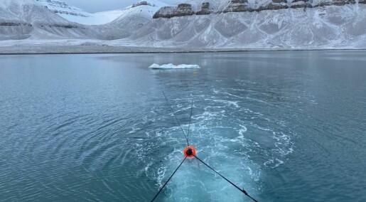 Isfjell på kollisjonskurs: Hvordan skal de taues bort fra faresonen?