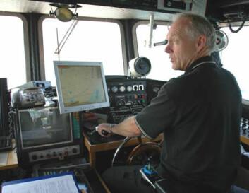 """""""Satelittnavigering hjelper forsker Oddvar Longva på FF Seisma til å holde seg på nøyaktig kurs."""""""