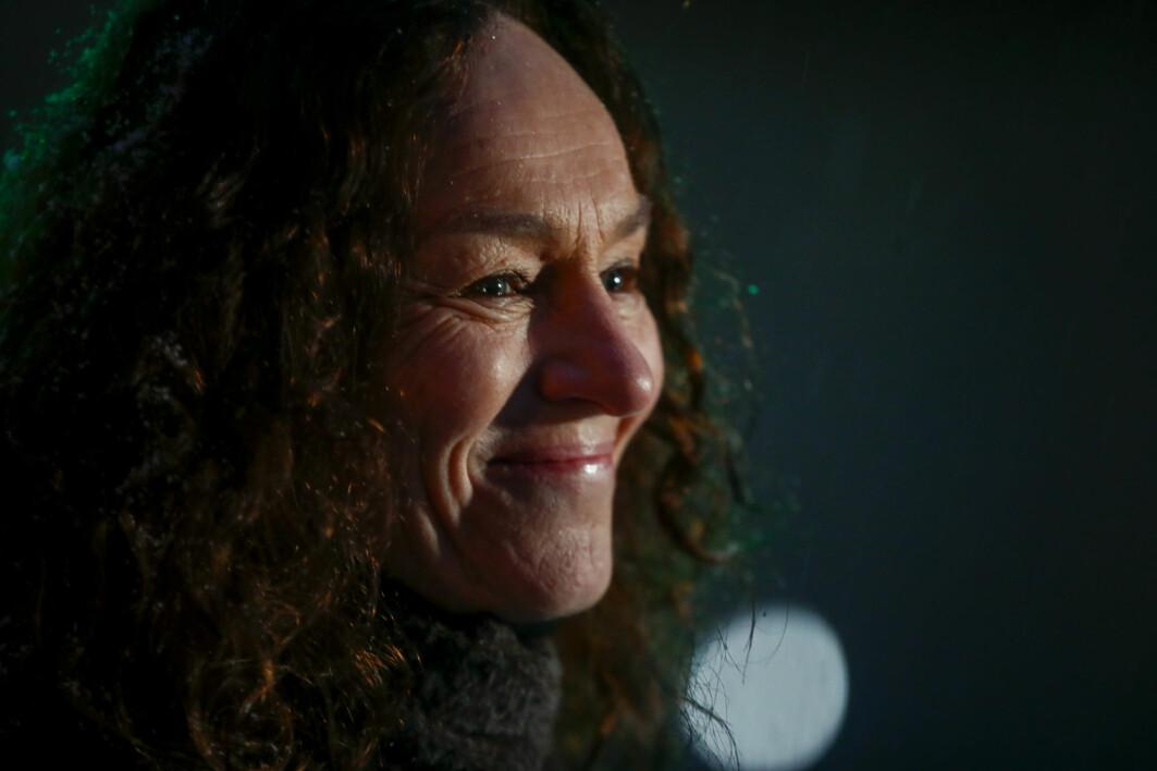 Camilla Stoltenberg i Folkehelseinstituttet er svært glad. Koronavaksinen har ankommet Norge.