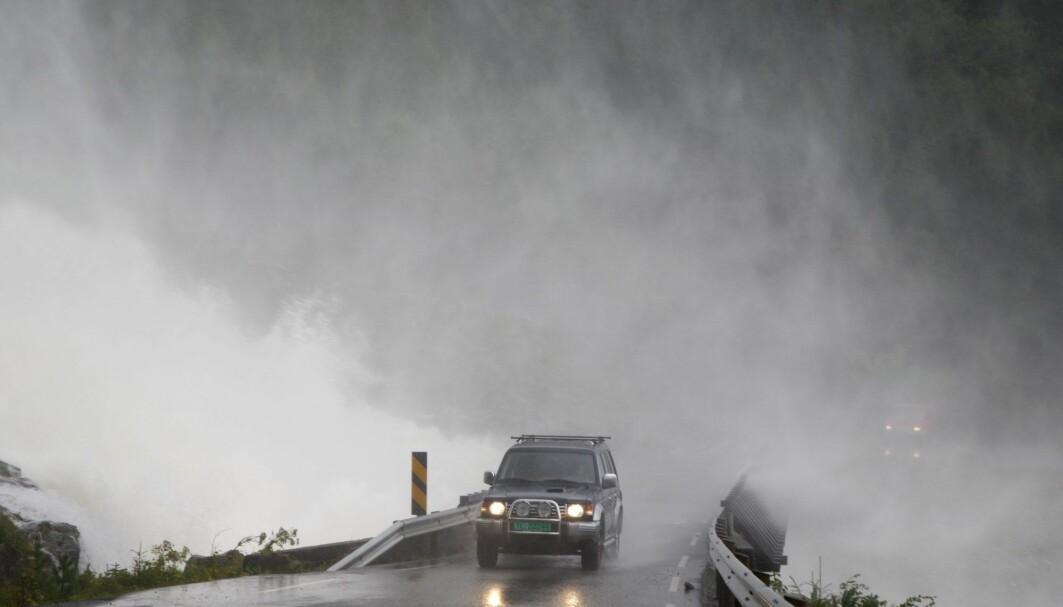 Hetebølger og oversvømmelser som pleide å være en «århundrets hendelse», blir stadig vanligere, ifølge Petteri Taalas j Verdens meteorologiske institutt (WMO).