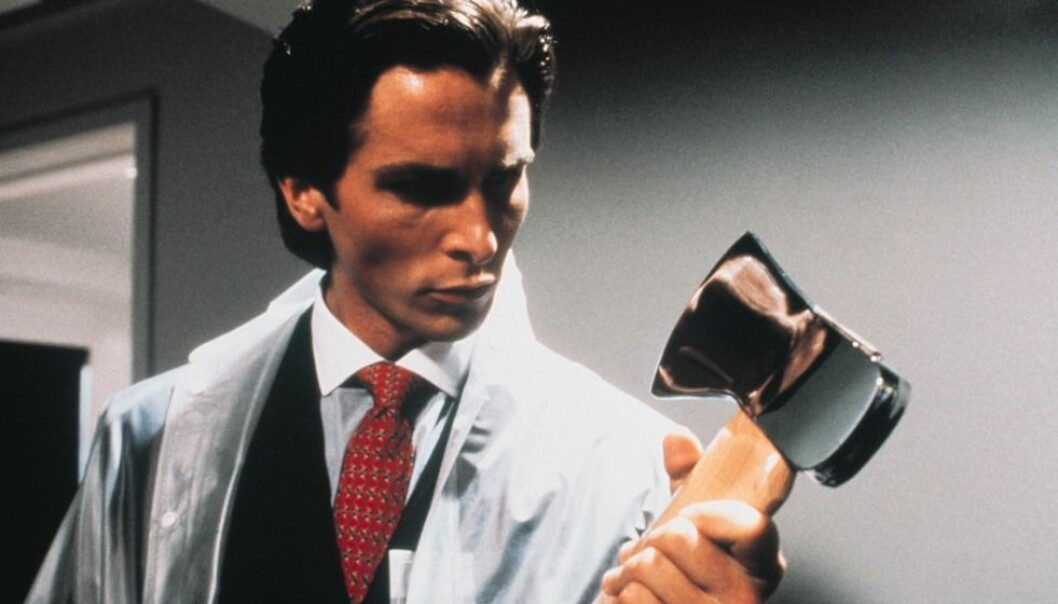Christian Bale som psykopaten Patrick Bateman i filmen American Psycho. Ny forskning antyder at psykopater ikke mangler empati - det bare det at de ikke får slike følelser automatisk. Nordisk Film Distribusjon AS