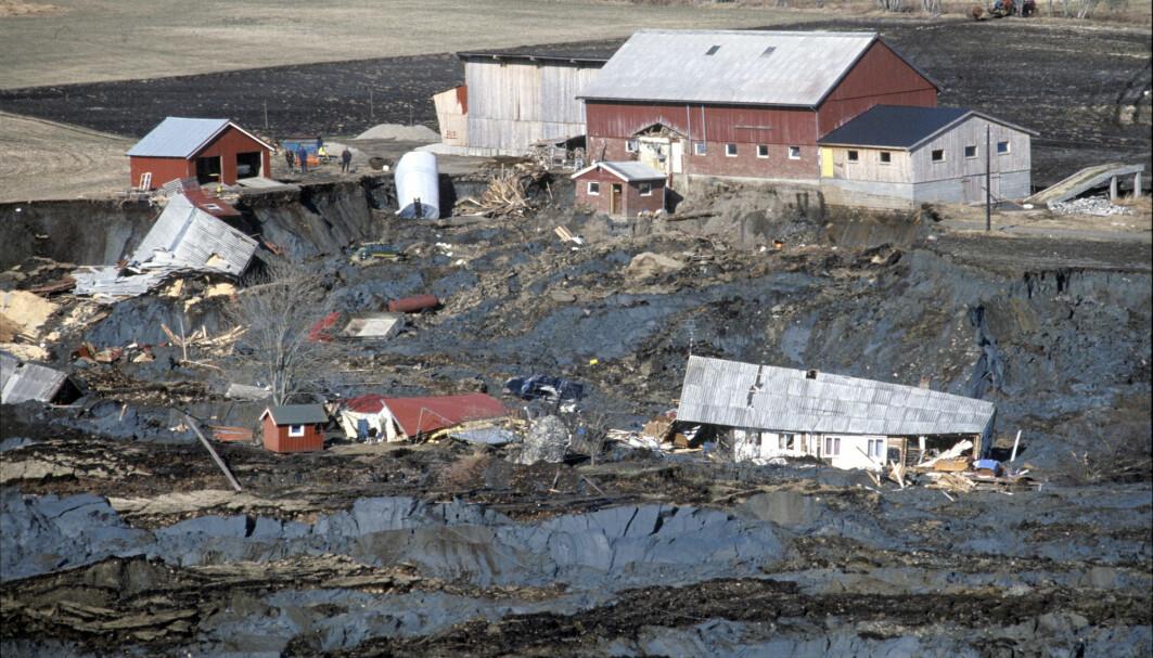 I 1978 feide et leirras med seg et enormt stykke av Rissa i Trøndelag. Ett menneske og flere hundre dyr omkom i raset.