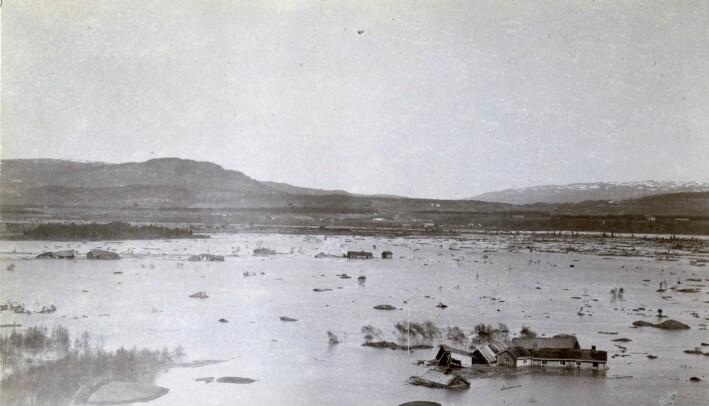 Bilde tatt etter kvikkleireskredet i Verdal i 1893.