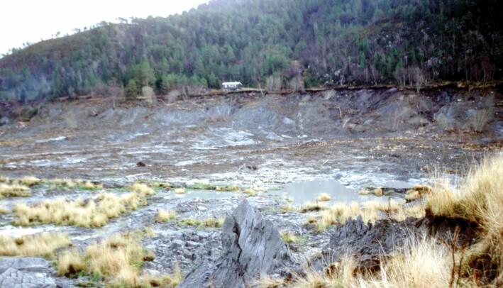 Et stort kvikkleireskred gikk i Rissa kommune i Sør-Trøndelag 29. april 1978. Det startet etter at løsmasser ble dumpet i vannkanten. Dette bildet er tatt høsten samme år.