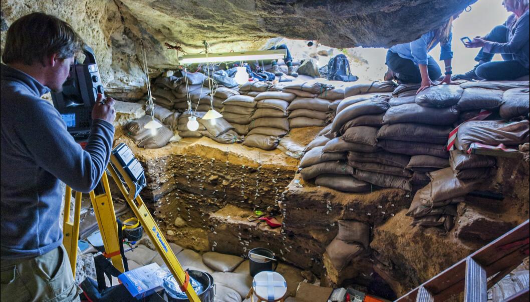 Magnus Haaland har i mange år drevet med utgravning i Blomboshulen etter at han for første gang lot seg fasinere av den helt spesielle hulen for ti år siden.